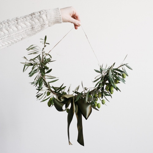 10 Things 6 - Olive Branch Wreath