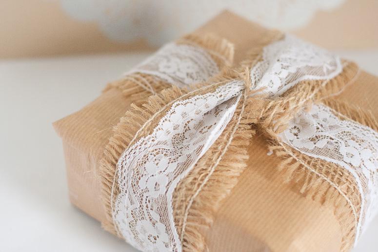 Burlap and lace at Callaloo Soup - gift wrap idea 1 -all natural
