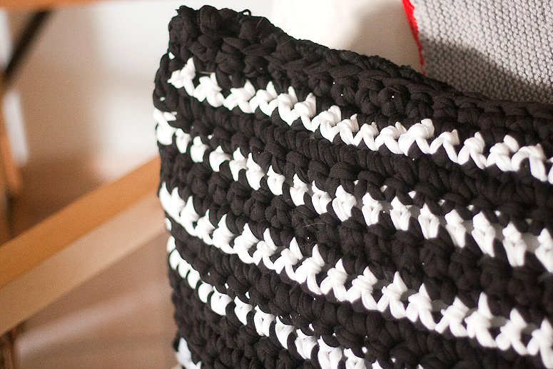 Tuesday To Do Crochet Cushion Cover from T-shirt Yarn at Callaloo Soup-17