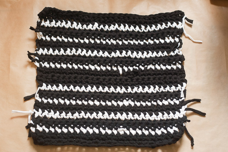 Tuesday To Do Crochet Cushion Cover from T-shirt Yarn at Callaloo Soup-9