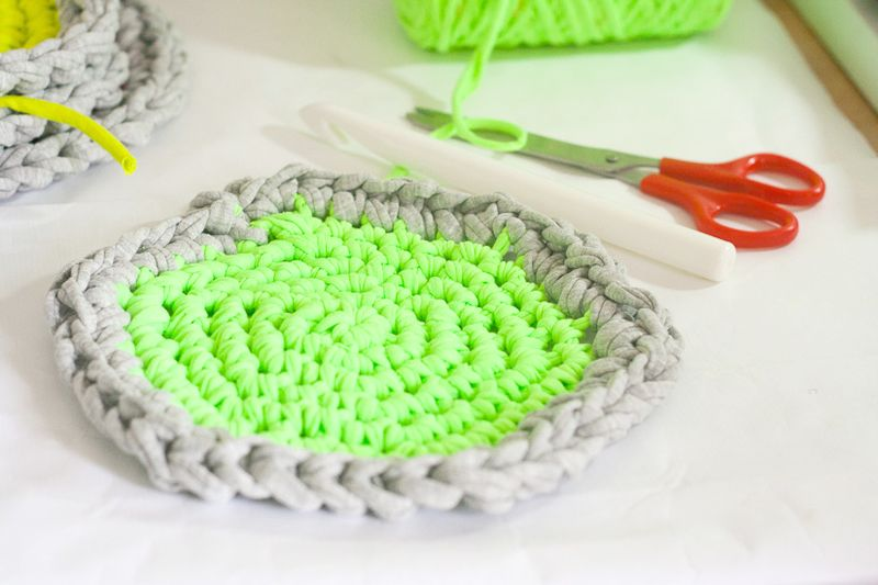 Neon Crochet Hot Pads from T-Shirt Yarn-6