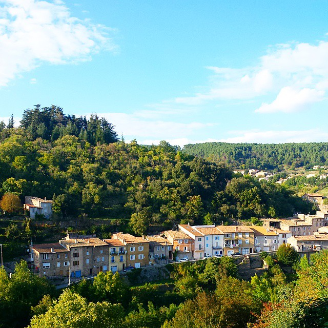 It_s_a_beautiful_Autumn_day__I_m_so_happy_I_can_say_that_since_the_last_two_days_were_wet_and_grey._And_here_s_a_peek_at_a_new_side_of_our_town.__france